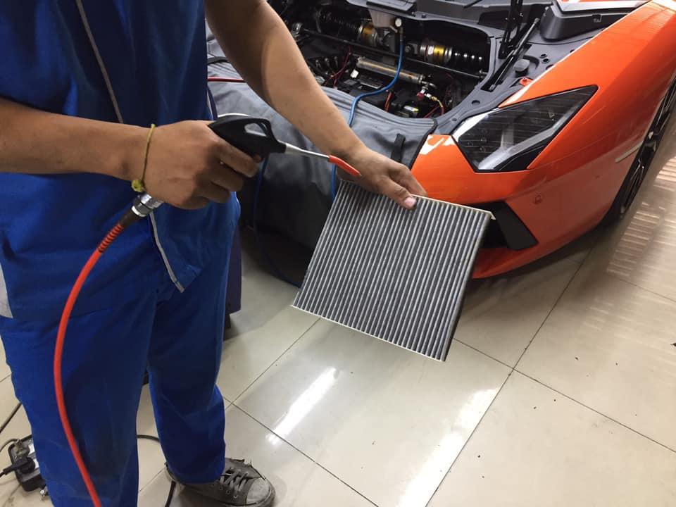 ซ่อมแอร์รถยนต์ Lamborghini