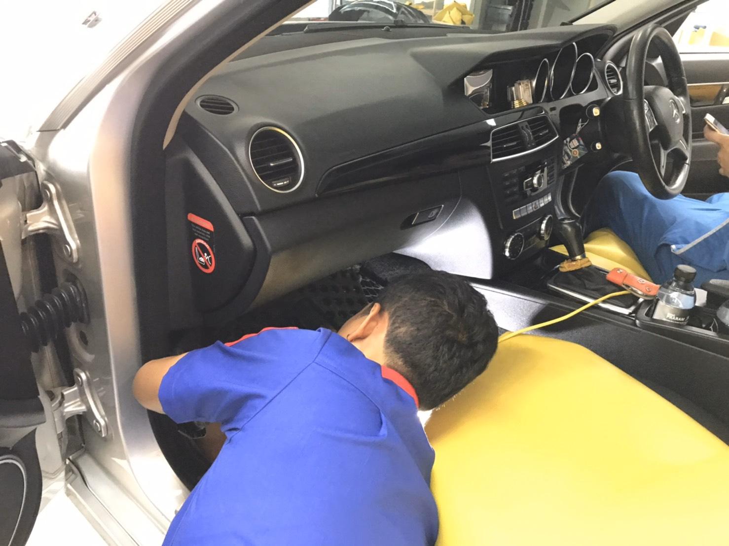ซ่อมแอร์รถยนต์ Benz
