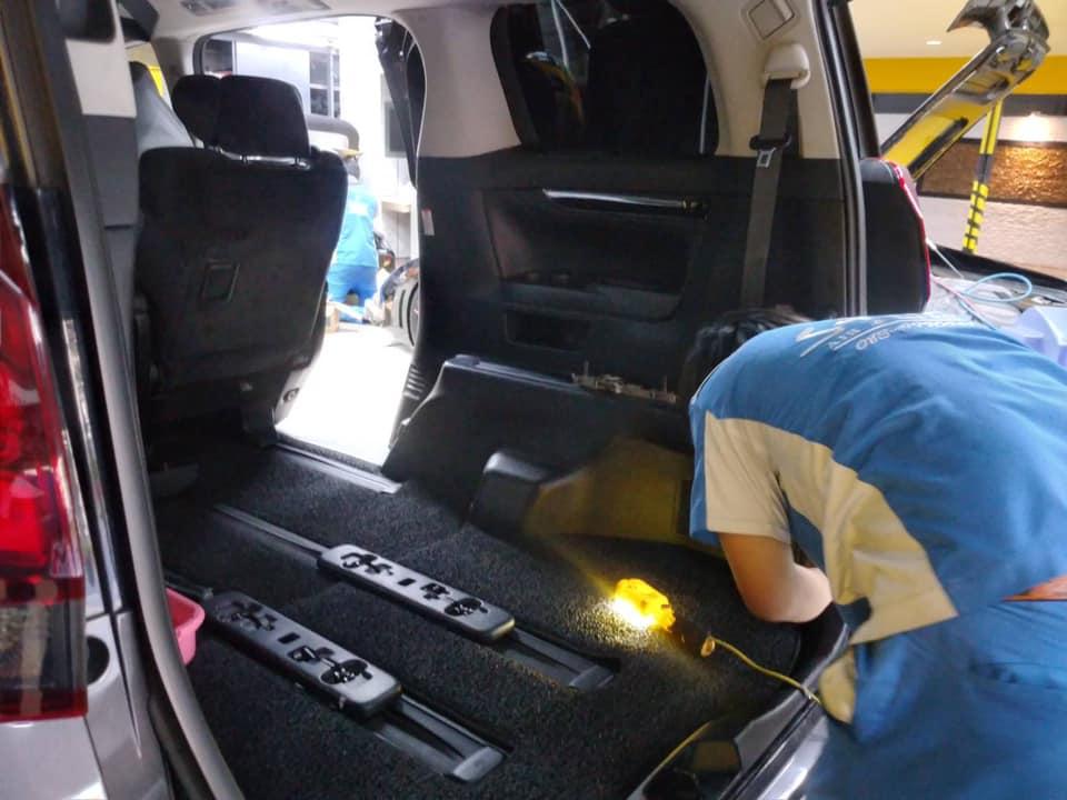 ซ่อมแอร์รถยนต์ Alphard